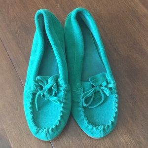 Shoes - Green moccasins size 6